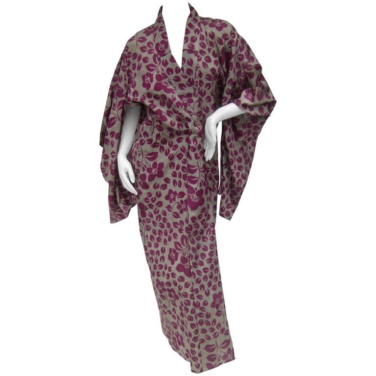 Japanese Style Flower Print Kimono Robe c 1970s 1