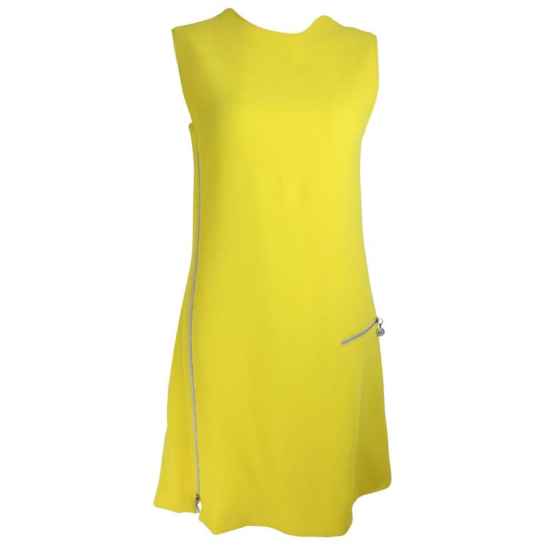 Gianni Versace Couture Yellow Dress With Medusa Zippers For Sale