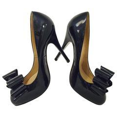 Valentino Garavani Black Patent Leather High Heel Pumps With Exuberant Bow