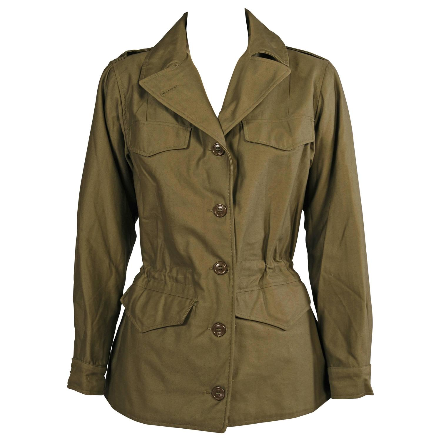 Find the latest and trendy styles of field jacket at ZAFUL. We are pleased you with the latest trends in high fashion field jacket.