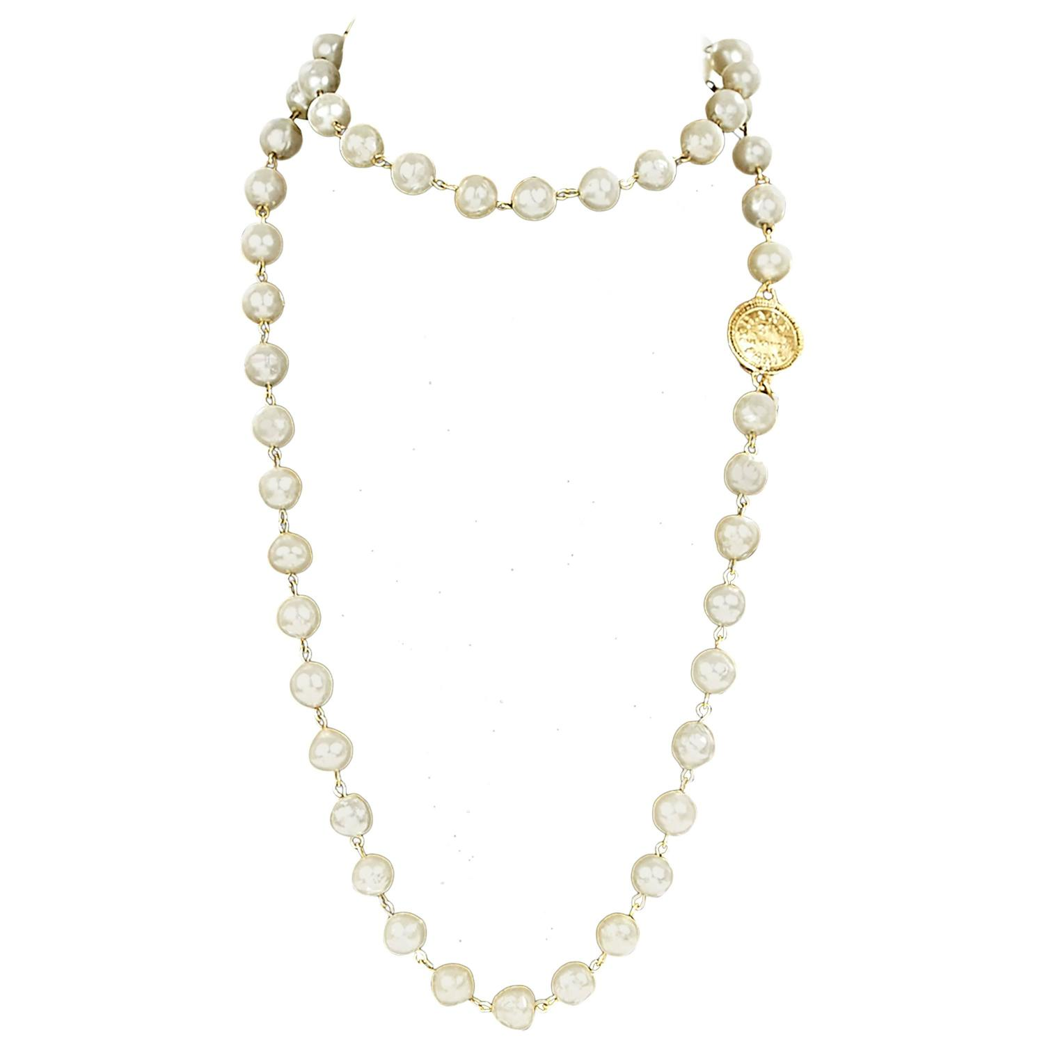 chanel pearl necklace at 1stdibs