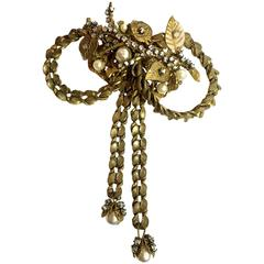 MIRIAM HASKELL Goldtone Montee and Baroque Pearl Bow Brooch