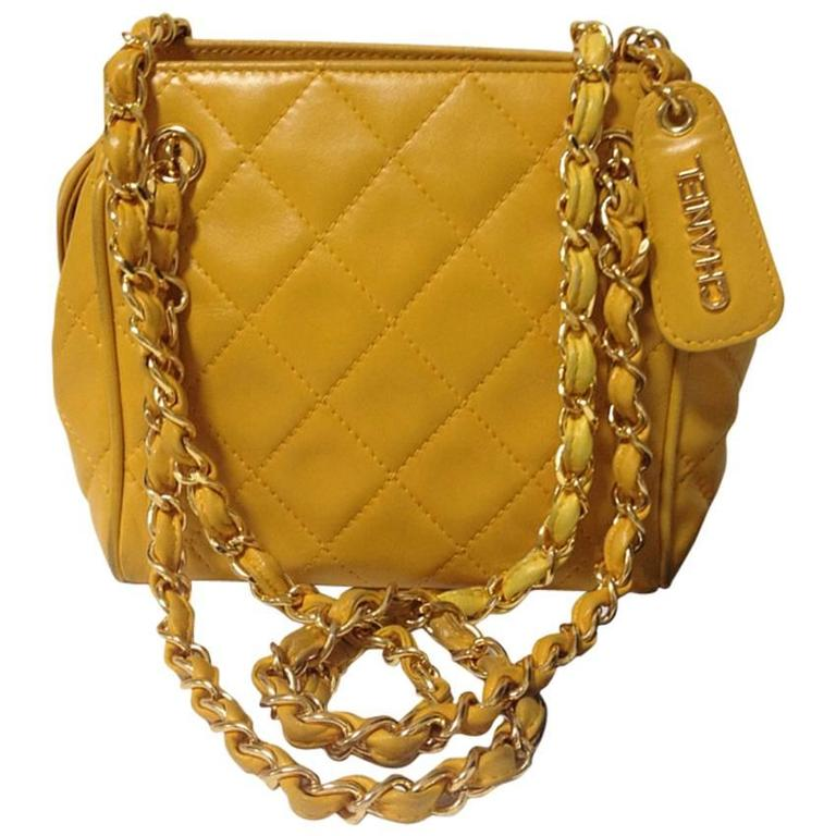 Vintage CHANEL lucky yellow color, lambskin classic chain mini shoulder bag.