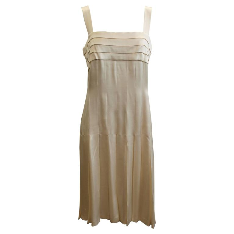 Chanel Ivory Silk Pleated Flapper Inspired Dress - 40 - 05P For Sale