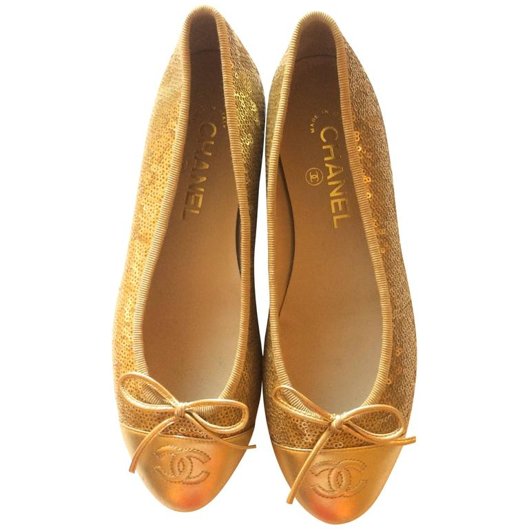 New Chanel Ballerina Flats - Size 37.5 - Gold Sequins with Gold Toe - Rare 1