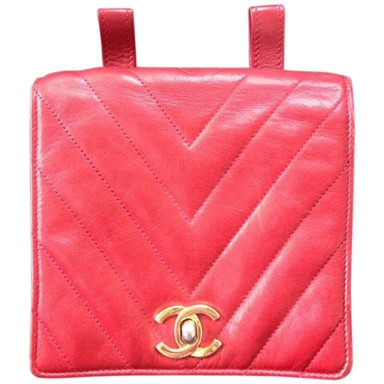 Vintage CHANEL lipstick red lambskin pouch with golden CC closure in chevron V. 1
