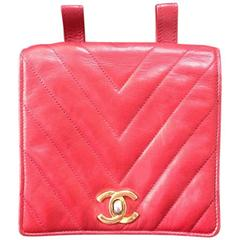 Vintage CHANEL lipstick red lambskin pouch with golden CC closure in chevron V.
