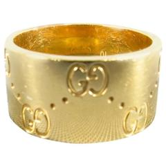 GUCCI 18K Gold Monogram Engraved Icon Band Ring