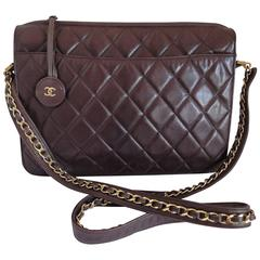 80's vintage Chanel dark brown lambskin shoulder bag with CC motif and chains