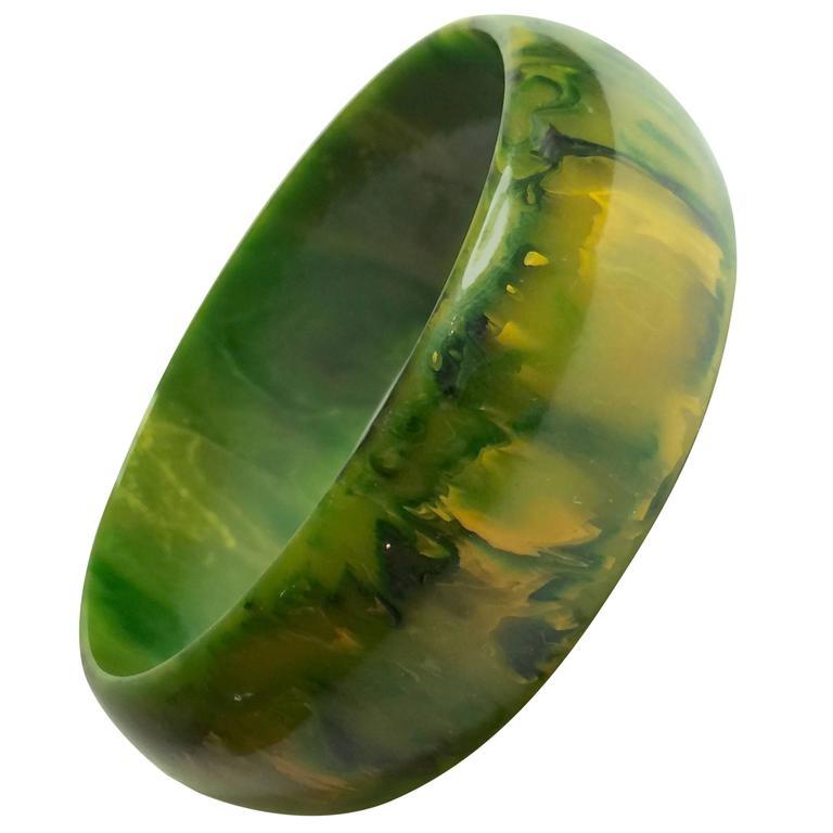 1930s Swirled Bakelite Green Faux Jade Bangle Bracelet 1