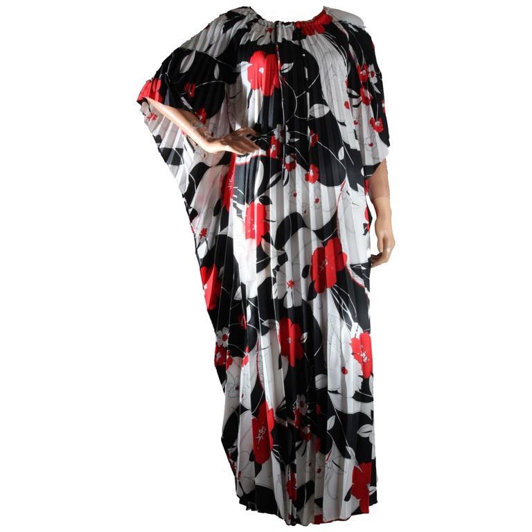 Hilo Hattie Kaftan Caftan Dress Red Hibiscus Print Evelyn Margolis Hawaii 70s 1