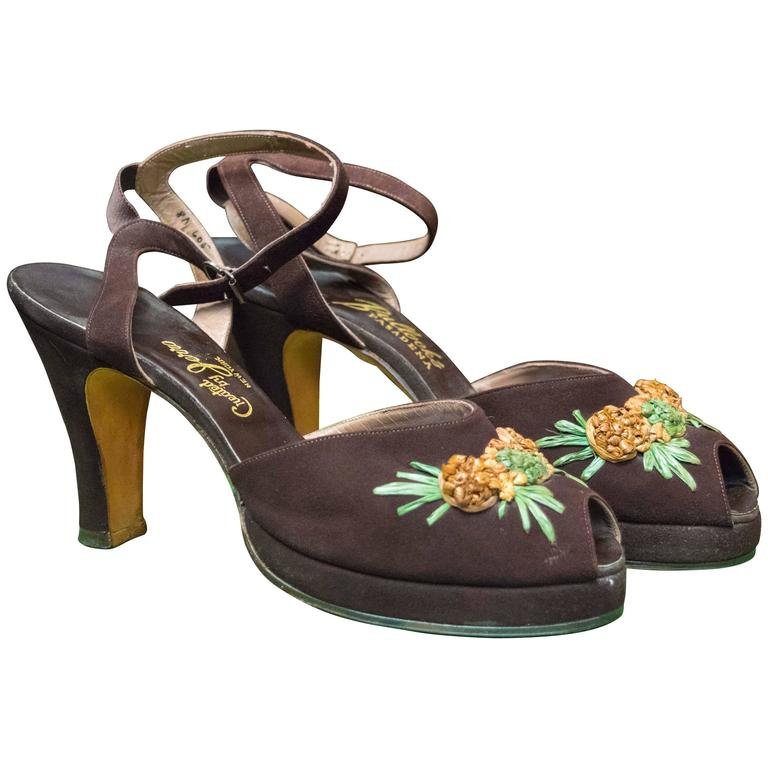 1940s Brown Suede Platform Pineapple Shoes For Sale