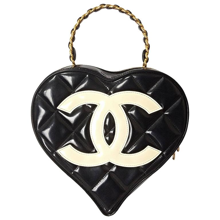 Vintage CHANEL black patent enamel quilted leather large heart shape handbag 1