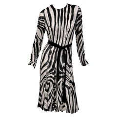 TOM FORD BLACK AND WHITE ZEBRA FIL COUPE PLEATED DRESS Size 44