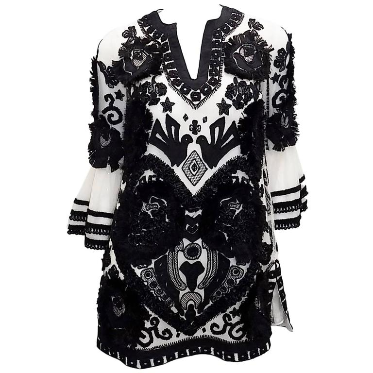 Anna Sui vintage embroidred black and white tunic top blouse  1