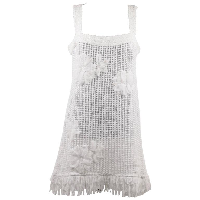 CHANEL White Pure Cotton SLEEVELESS Shift DRESS w/ Flowers Size 40 For Sale