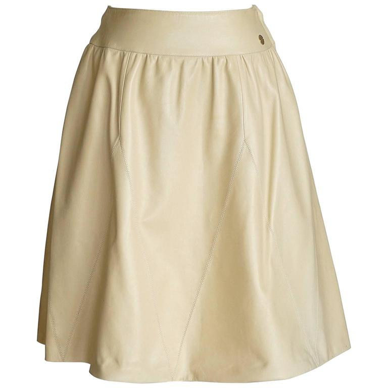 chanel 01p lambskin leather skirt w gold tone 36 6