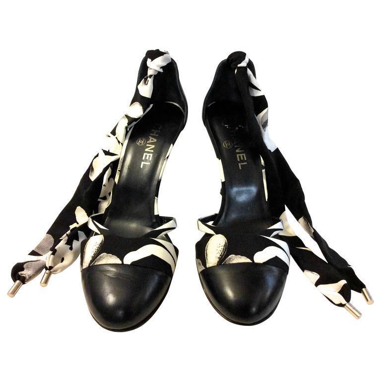 Chanel Heels - Size 39.5 - Black Leather w/ Silk