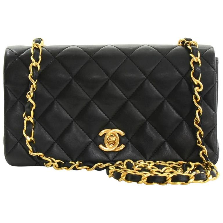 5b615ab7ecb76b Chanel Black Quilted Lambskin Vintage Single Flap Bag at 1stdibs