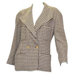 Chanel Boutique Vintage Houndstooth Jacket Gold CC Logo Buttons