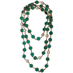 "Chanel Vintage ""Sautoir"" Necklace w/ Green Stones & Pearls - Circa 1987"