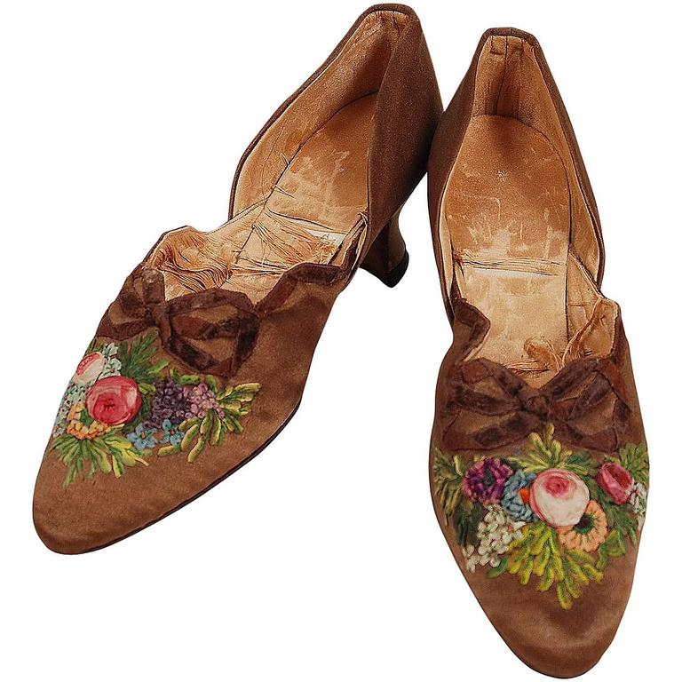 1910's Laird Schober Couture Floral Embroidered Applique Rosettes Silk Shoes 1