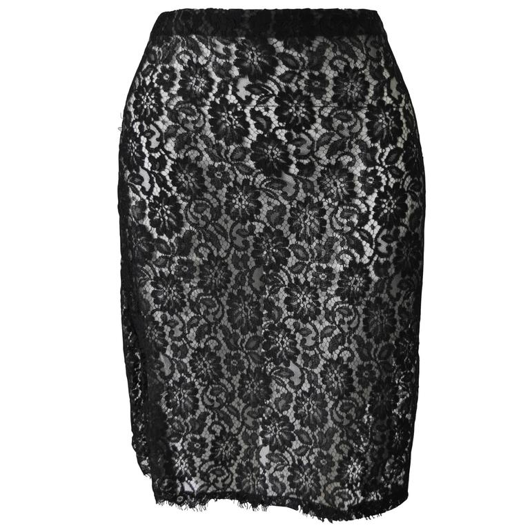 Unique Gianni Versace Istante Black Lace over White Lining Skirt