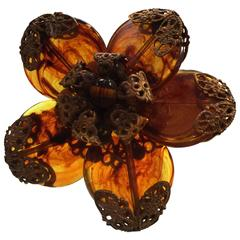 1960s MIRIAM HASKELL Mottled Amber Glass Disc Brooch Pin with Goldtone Filigr