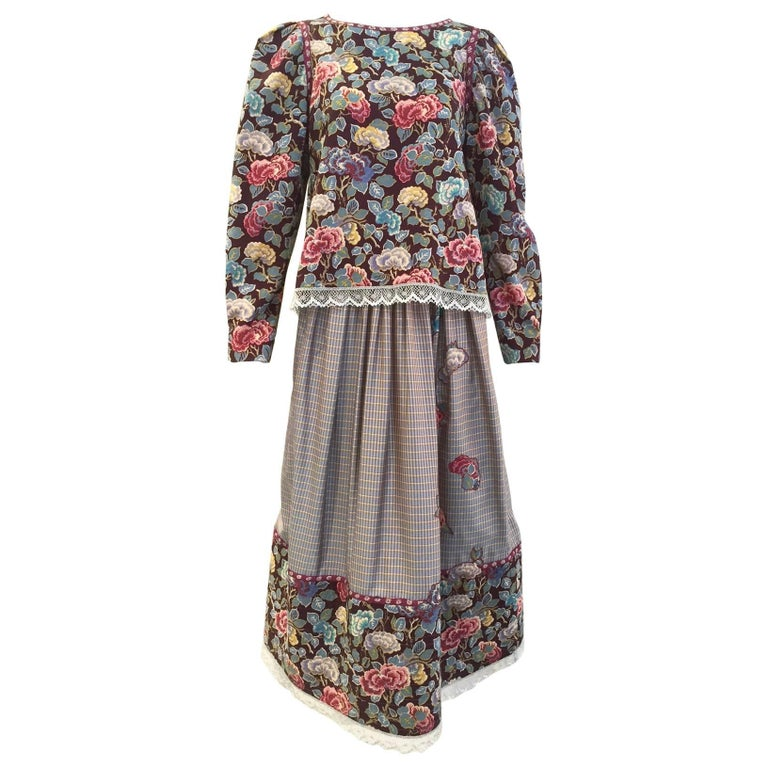1970s Geoffrey Beene Floral Print Wool Crepe Blouse and Skirt Set For Sale