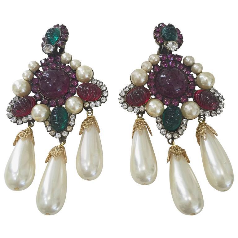 80s Larry Vrba faux pearl cabochon chandelier earrings For Sale