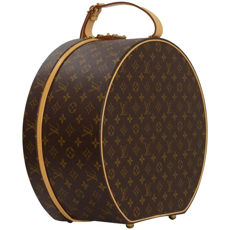 louis vuitton monogram 40cm boite chapeaux ronde hat box ghw at 1stdibs. Black Bedroom Furniture Sets. Home Design Ideas