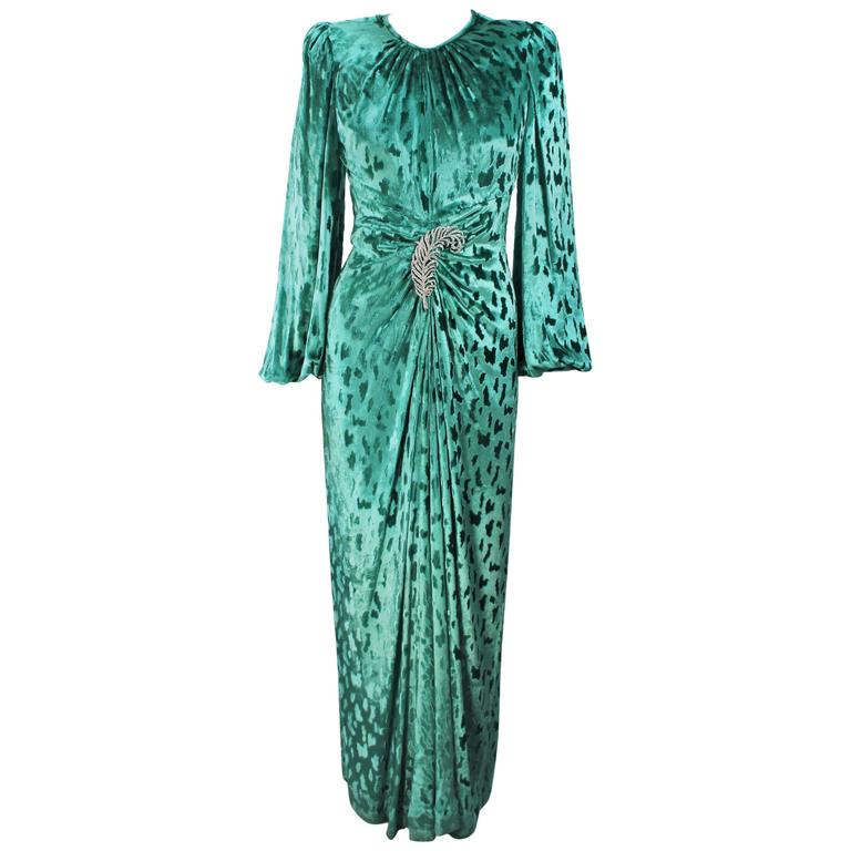OSCAR DE LA RENTA Draped Mint Velvet 'Nancy Reagan'  Gown with Brooch Size 4-6 1