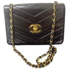 Vintage CHANEL 2.55 black lambskin large, jumbo size shoulder bag, chevron style