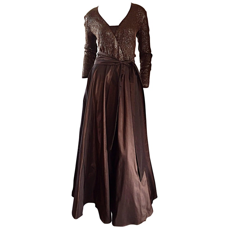 1990s Pamela Dennis Couture Size 8 Vintage Chocolate Brown Sequin Taffeta Gown For Sale