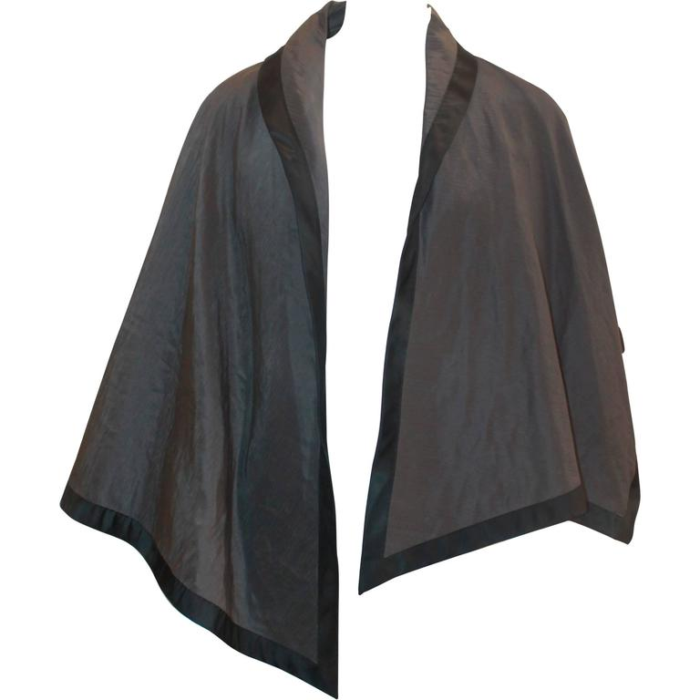 Nina Ricci Vintage Gray and Black Linen and Silk Blend Vest/Cape -  44 For Sale