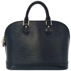 Luxurious Louis Vuitton Black Epi Alma PM Excellent Condition