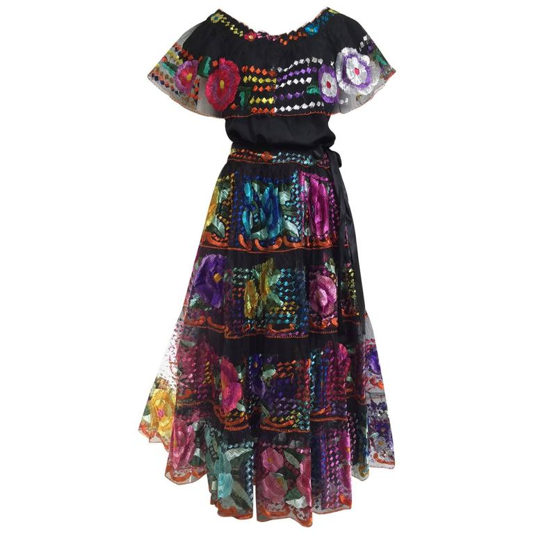 1970s mexican embroidered blouse and skirt set ensemble 1
