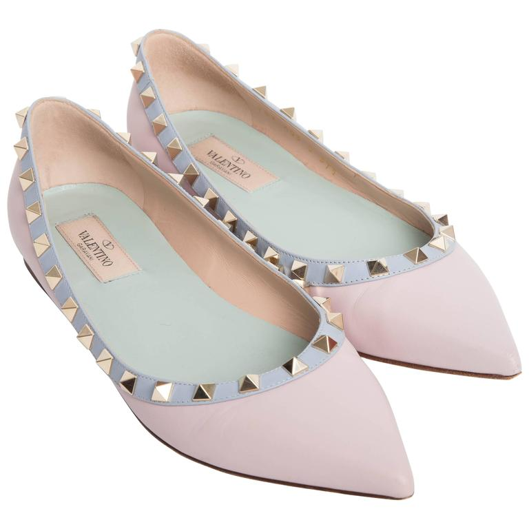 Valentino Rockstud Leather Ballet Flats in Blush EU 371/2. 1