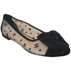 Chanel Black and White Printed Mesh and Grosgrain Flats with a Bow - 39