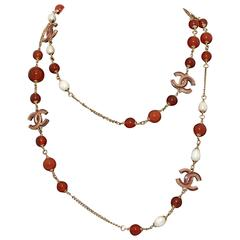 chanel Necklace with agate and pearls