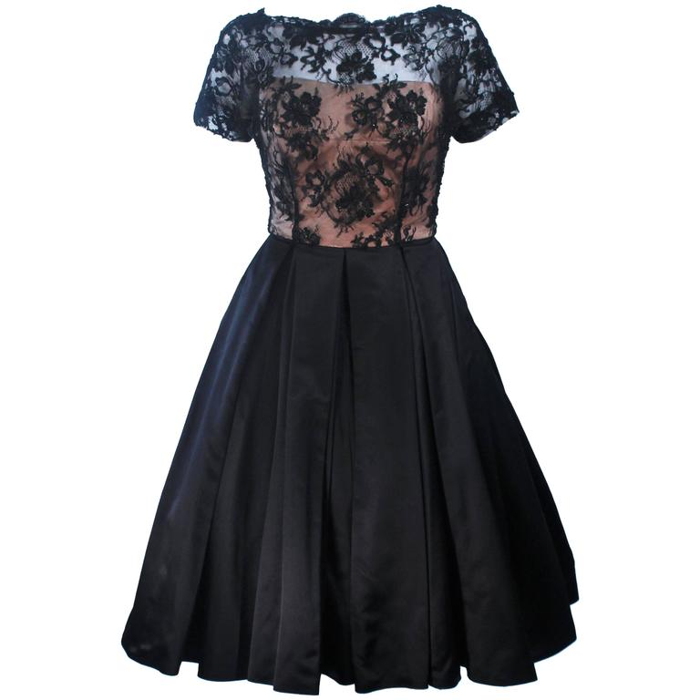 Vintage 1950's Custom Lace Cocktail Dress Size 2-4 For Sale