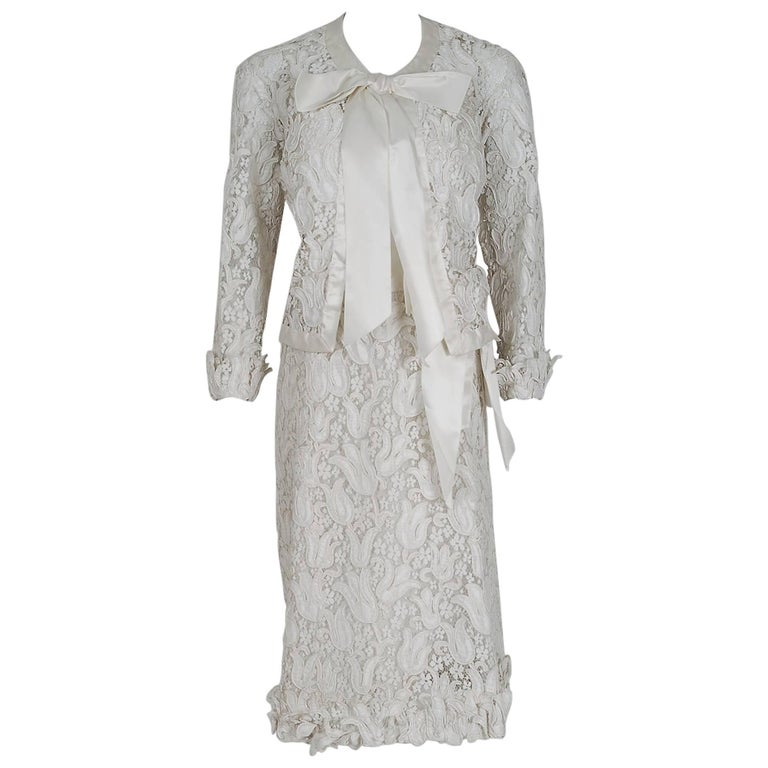 1966 Chanel Haute Couture Documented White Tulip Floral Lace Silk Dress & Jacket For Sale