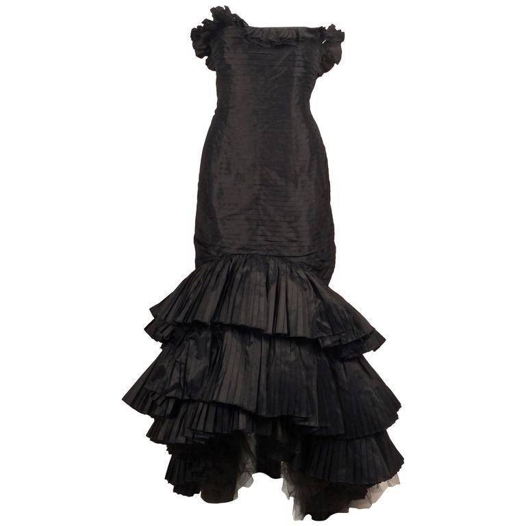 Oscar de la Renta Black Tiered Pleated Tulle Trim Strapless Mermaid Gown 1