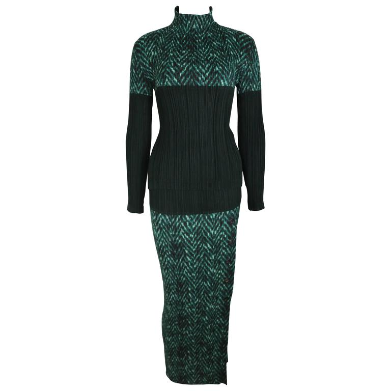 Issey Miyake Chevron Print Pleated Long Sleeves Two Pieces Top & Long Skirt Set