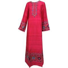 Vintage Boho caftan embroidered raspberry pure silk India 1970 unworn