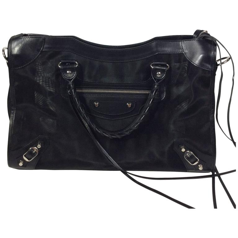 1stdibs Saint Laurent Mini emmanuelle Bucket Bag In Black Smooth Leather And Fringes wb62vPW