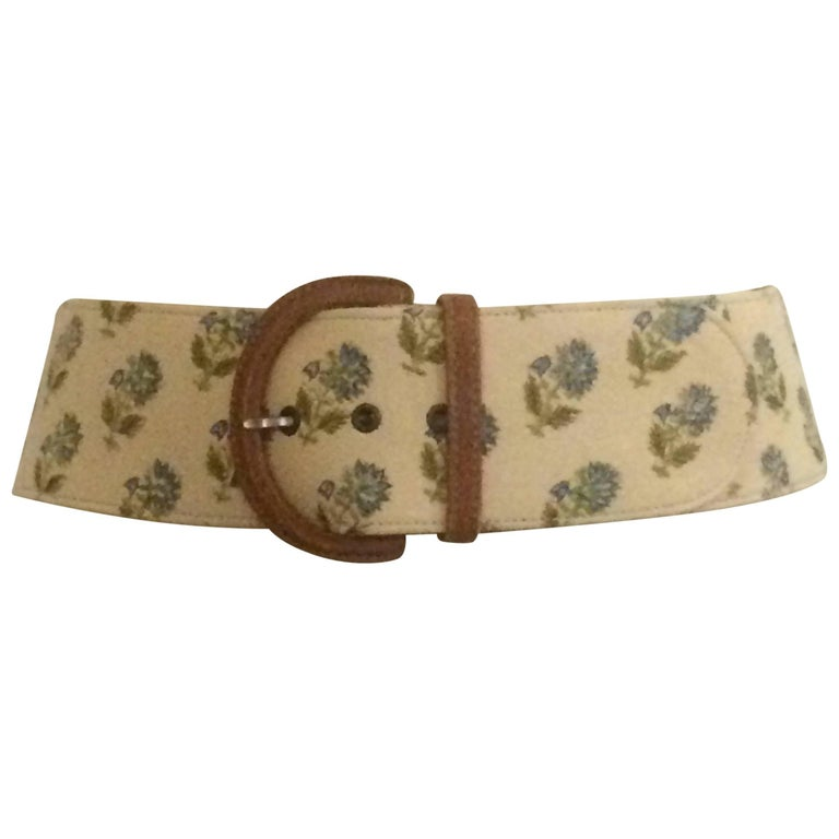 Oscar de la Renta Natural Cream Canvas Covered Leather Belt Blue Floral Print For Sale