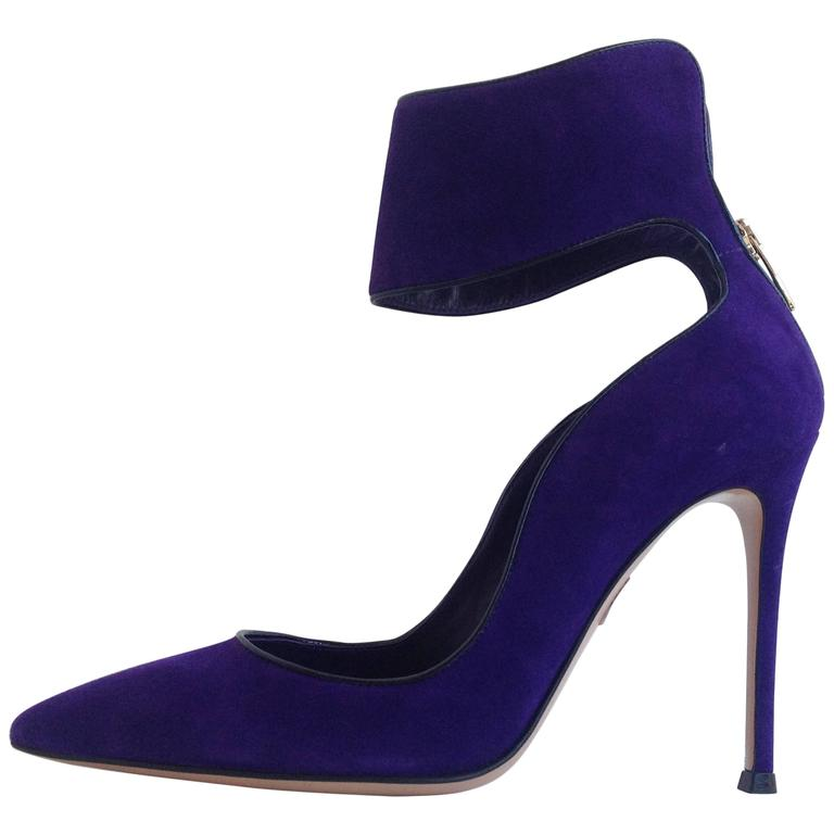 45a18ee207a6 Gianvito Rossi Bright Tropical Print Pointed Toe Canvas Pumps.  HomeFashionAccessoriesShoes. Gianvito Rossi Purple Suede Cuff Heels Size  37.5 (7) For Sale