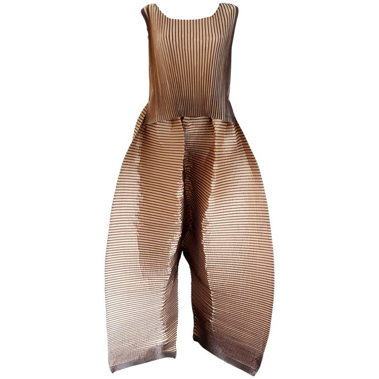Issey Miyake unisex 2D pleated pant suit, c. 1990s 1
