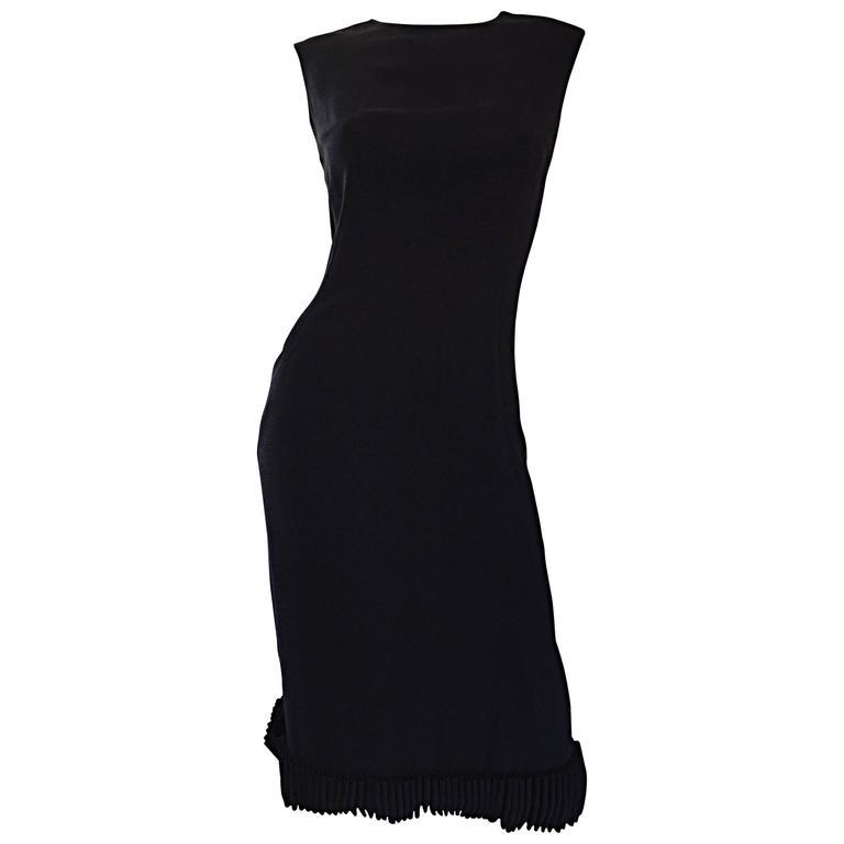 Chic 1960s Shannon Rodgers Black Crepe Sleeveless Shift Dress w/ Ribbon Trim